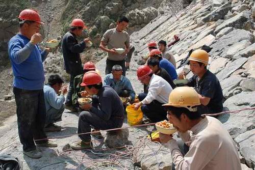 农民工的生存状况_关于中国农民工休闲生活状况的调查报告
